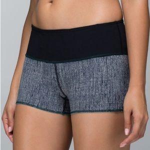 Lululemon Water bound Reversible Shorts size 6